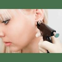 Прокол вуха