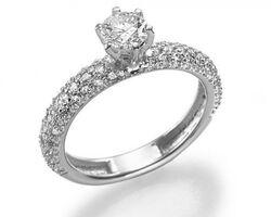Перстень з нагоди заручин з діамантами