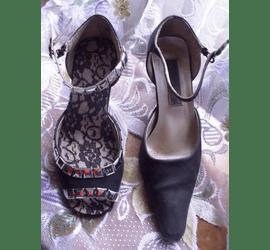 Вкорочення носків у туфлях