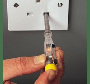 Отвертка-электрический пробник 220-250 В Stanley 0-66-119
