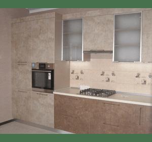 Кухня з пластиковими фасадами