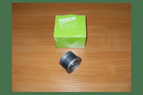 Шкив генератора  ( 5 ручейковый )  VALEO   на  1.9dci  -  RENAULT TRAFIC / OPEL VIVARO - NaVolyni.com